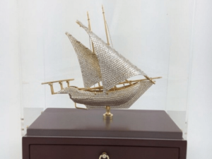 Brassboat With Crystal In Acrylic Wood