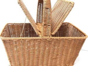 Plastic Coated Wire Woven Picnic Basket 01    x  4 pieces